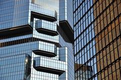 De Wolkenkrabbers van het glas, Hongkong stock foto