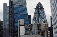 De Wolkenkrabbers van Londen vanaf Bovenkant van Monumententoren die worden bekeken Stock Afbeelding