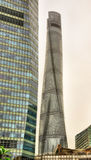 De wolkenkrabbers van Shanghai bij het Financiële District van Lujiazui Royalty-vrije Stock Foto
