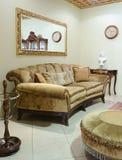 De woonkamer van de luxe. Bank Stock Fotografie