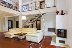 De woonkamer van de ontwerper Stock Foto