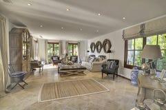 De woonkamer van de villa Royalty-vrije Stock Afbeeldingen