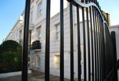 De woonplaats is Londen achter omheining Stock Foto's
