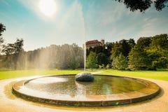 De woonplaats van de gouverneurs` s zomer in Praag, Tsjechische Republiek stock foto