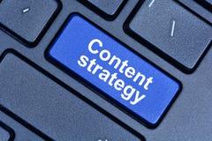 De woorden van de inhoudsstrategie op toetsenbordknoop Royalty-vrije Stock Foto's