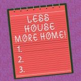 De Word d'écriture des textes Chambre moins plus de maison Le concept d'affaires pour ont un endroit confortable chaud à vivre av illustration stock