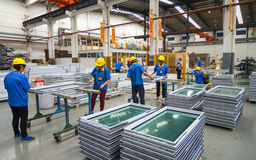 De workshop van de aluminiumfabriek Royalty-vrije Stock Foto