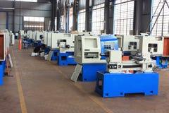 De workshop van de het productassemblage van de werktuigmachinefabriek stock afbeelding
