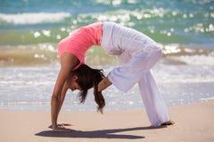 De yoga maakt u flexibel Stock Foto's