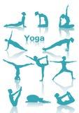De yoga plaatst groene silhouetten Stock Fotografie