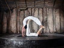 De yoga van Acro stock afbeeldingen