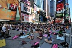 De Yoga van de straat Stock Afbeeldingen