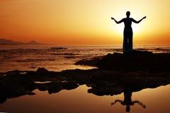 De Yoga van de zonsondergang Stock Fotografie