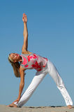 De yoga van het strand Stock Foto