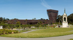 De Young Museum e monumento Immagine Stock Libera da Diritti