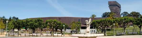 De Young Museum with sculpture Royalty Free Stock Image