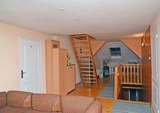De zaal in goedkoop hotel stock fotografie