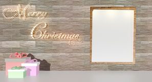 De Zaal met talrijke lichten wordt aangestoken verfraaide klaar om Kerstmis te vieren die Stock Afbeeldingen
