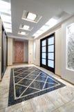 De zaal van de luxe in een nieuwe flat Royalty-vrije Stock Fotografie