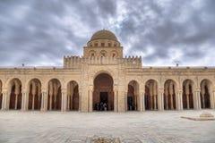 De zaal van het gebed van de Grote Moskee in Kairouan Stock Fotografie