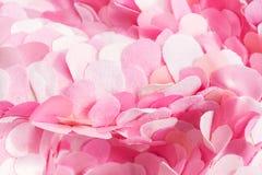 De zachte golvende samenstelling van de lente roze textielbloemblaadjes Royalty-vrije Stock Foto