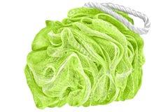 De zachte groene badrookwolk of de spons of schrobt, geïsoleerd op transparant Stock Foto