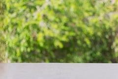 De zachte vage zoete groene abstracte achtergrond van de bokehaard stock fotografie