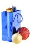 De zak en Kerstmisballen van de gift Stock Foto