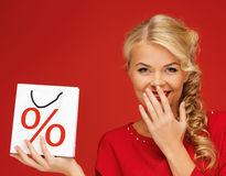 De zak van de vrouwenholding met percententeken Royalty-vrije Stock Foto