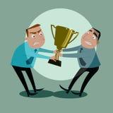 De zakenlieden vechten voor trofee Stock Afbeelding