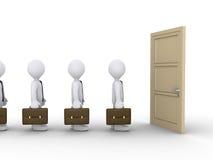 De zakenlieden wachten op de te openen deur Stock Afbeeldingen