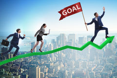 De zakenman die zijn bedrijfsdoelstellingen en doelstellingen bereiken Royalty-vrije Stock Foto