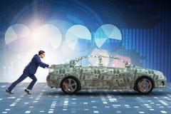 De zakenman duwende auto in bedrijfsconcept stock foto's