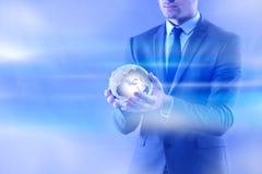 De zakenman in globaliserings globaal bedrijfsconcept Stock Foto's