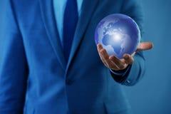 De zakenman in globaliserings globaal bedrijfsconcept Stock Foto