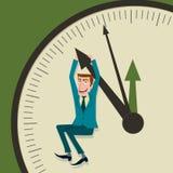 De zakenman hangt op een pijl en van klok Stock Foto's