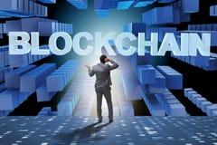 De zakenman in het concept van blockchaincryptocurrency vector illustratie