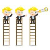 De zakenman kijkt op de ladder Stock Afbeeldingen
