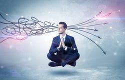De zakenman mediteert met het zuiveren van krabbelconcept stock afbeeldingen