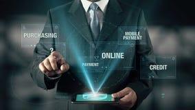 De zakenman met Online het Winkelen concept kiest van het Kopen van Betalings Online Mobiel Krediet gebruikend digitale tablet stock video