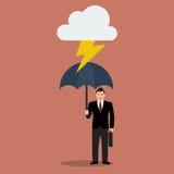 De zakenman met paraplu beschermt tegen donder royalty-vrije illustratie