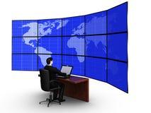 De zakenman neemt een planeetkaart op grote scre waar vector illustratie