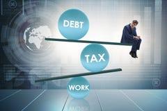De zakenman in schuld en belastings bedrijfsconcept royalty-vrije stock afbeeldingen