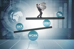 De zakenman in schuld en belastings bedrijfsconcept stock foto