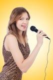 De zanger van de vrouw met microfoon Stock Foto