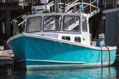 De zeekreeftboot dokte in de vroege herfst in Zuiden Bristol, Maine, Verenigde Staten Stock Afbeeldingen