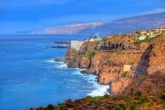 De zeekust van Los Realejos dichtbij oceaan in Garachico, Tenerife Stock Foto's