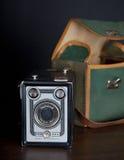 De zeer oude beroemde Vrede-camera van doos standaardmenis op donkere zwarte achtergrond Stock Afbeelding