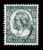De zegel in Duitsland wordt gedrukt toont beeld van Johann Christoph Friedrich von Schiller dat Stock Foto's
