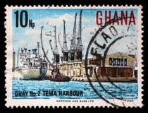 De zegel in Ghana wordt gedrukt toont Tema-Haven die stock afbeelding